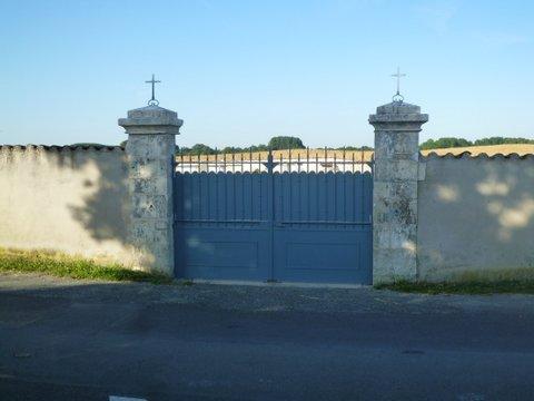 Porte entree cimetiere 2